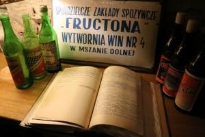 Folwark Stara Winiarnia Technologia Produkcji Win Zio?owo - Leczniczych w Zak?adach Fructona i Dolwin Mszana Dolna www.lubimywino.pl www.folwarkstarawiniarnia.pl