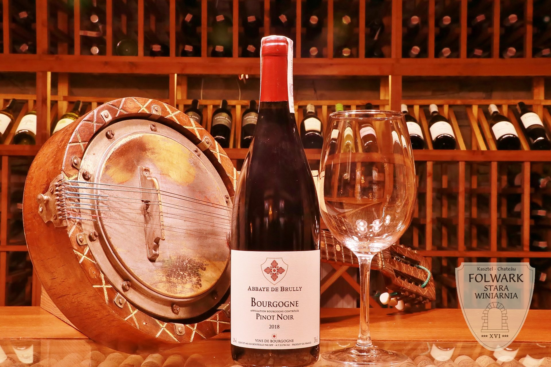 Abbaye de Brully Bourgogne Pinot Noir Francja lubimywino pl